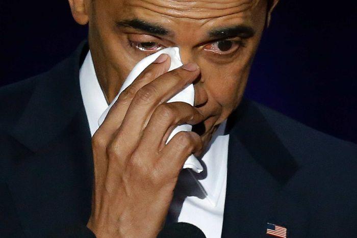 Obama rớm lệ khi nhắc vợ con trong bài phát biểu cuối cùng - 3