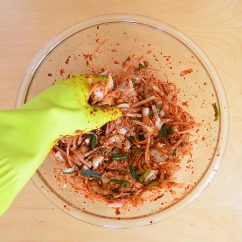 Cách làm kim chi cải thảo chua cay giải ngán ngày Tết - 7