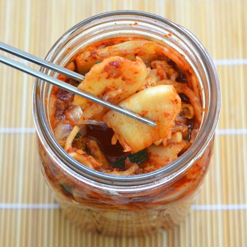 Cách làm kim chi cải thảo chua cay giải ngán ngày Tết - 12