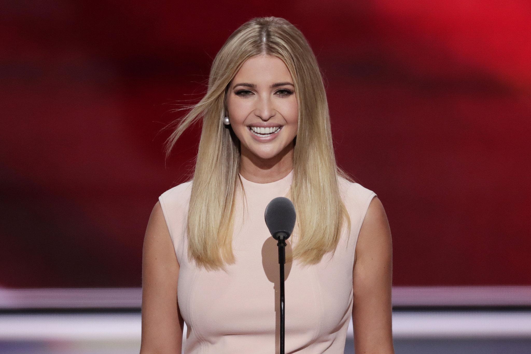 """Con gái Trump bỏ việc để làm thay """"vai"""" đệ nhất phu nhân? - 1"""