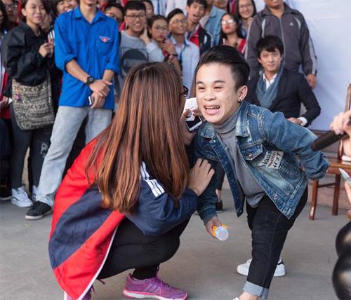 """""""Nấm lùn"""" Xuân Tiến và bạn gái người mẫu chia tay dù đã chụp ảnh cưới - 4"""