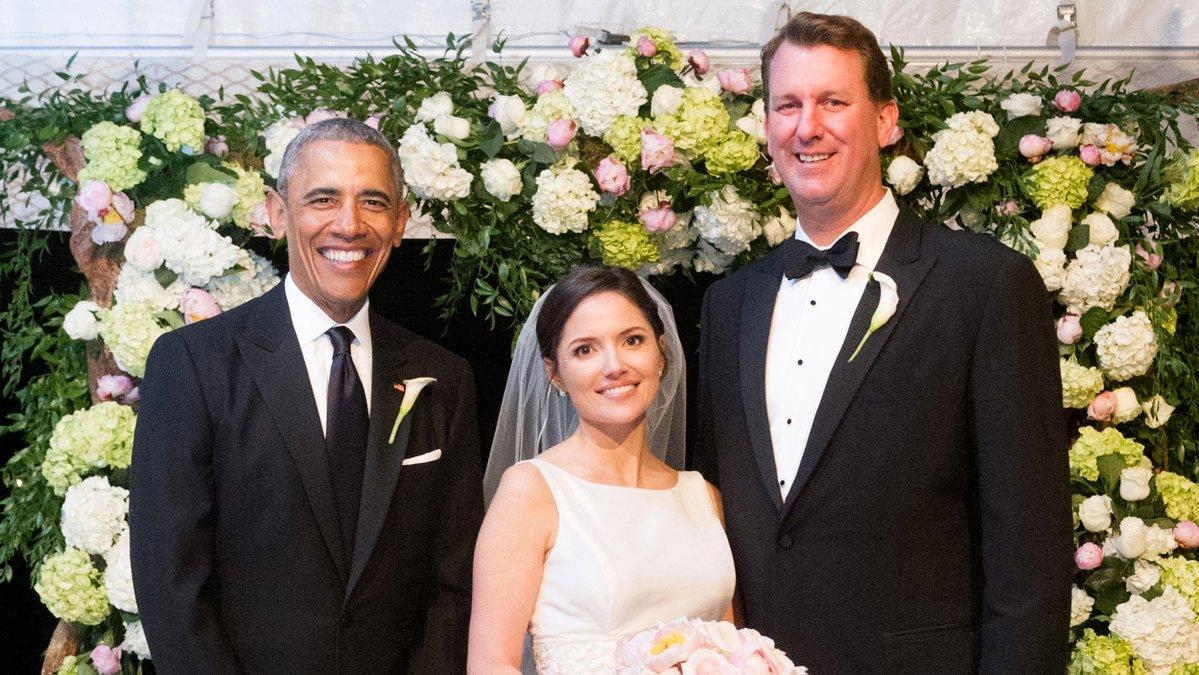 Phát hiện ông Obama làm phù rể trong đám cưới bạn thân - 1