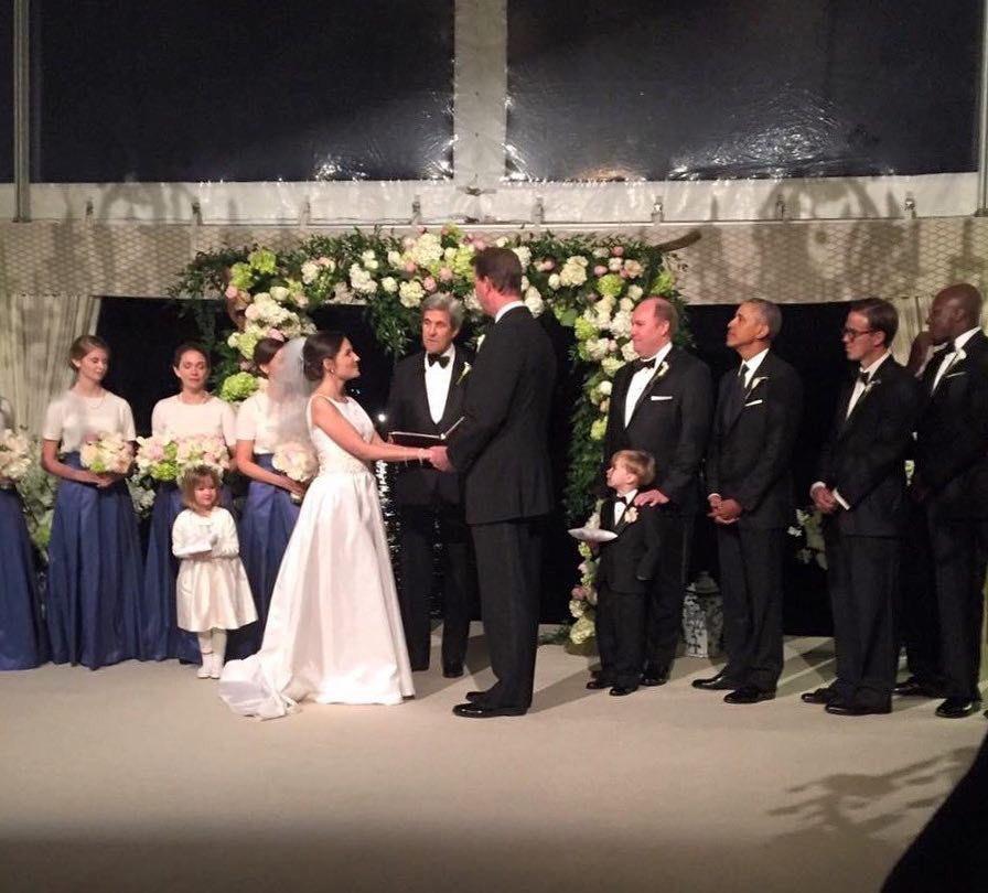 Phát hiện ông Obama làm phù rể trong đám cưới bạn thân - 2