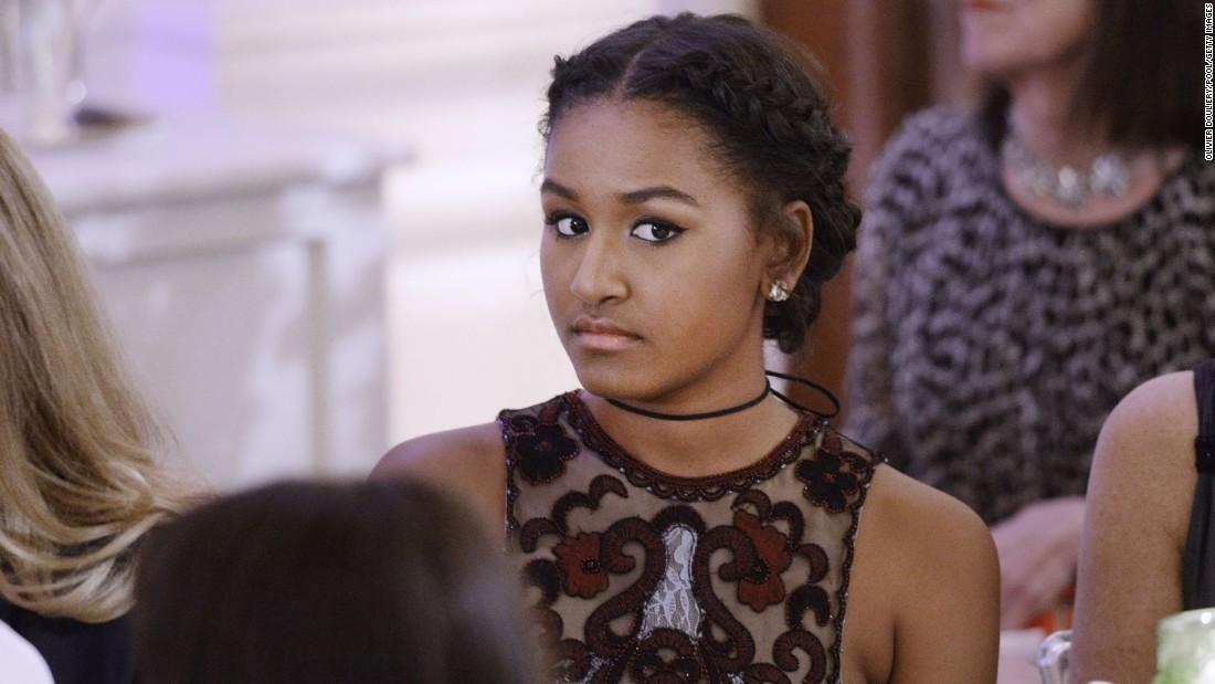 Vì sao con gái út ông Obama vắng mặt khi bố phát biểu? - 3