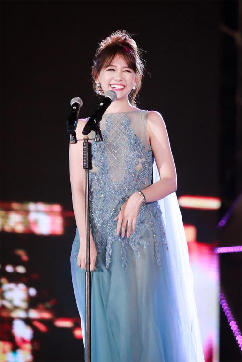 Phạm Hương, Thúy Vân, Hari Won lại mặc đẹp nhất tuần - 6