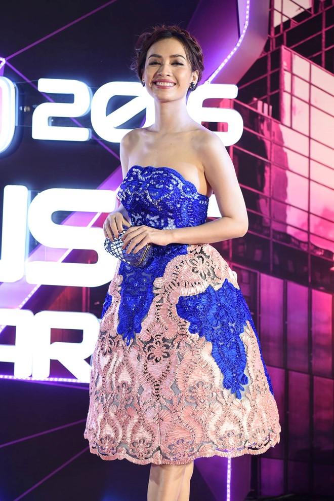 Phạm Hương, Thúy Vân, Hari Won lại mặc đẹp nhất tuần - 7