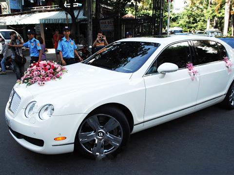 Đám cưới gây xôn xao của hoa - á hậu với toàn siêu xe - 12