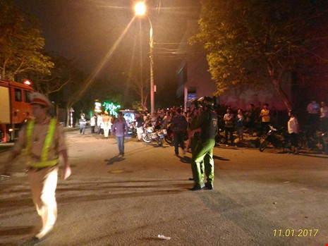 Sập tại tòa nhà đang xây ở Đà Nẵng, nhiều người bị vùi lấp - 2