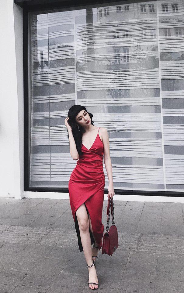 Hương Tràm bất ngờ dịu dàng, Phương Trinh giữ phong độ sexy - 1