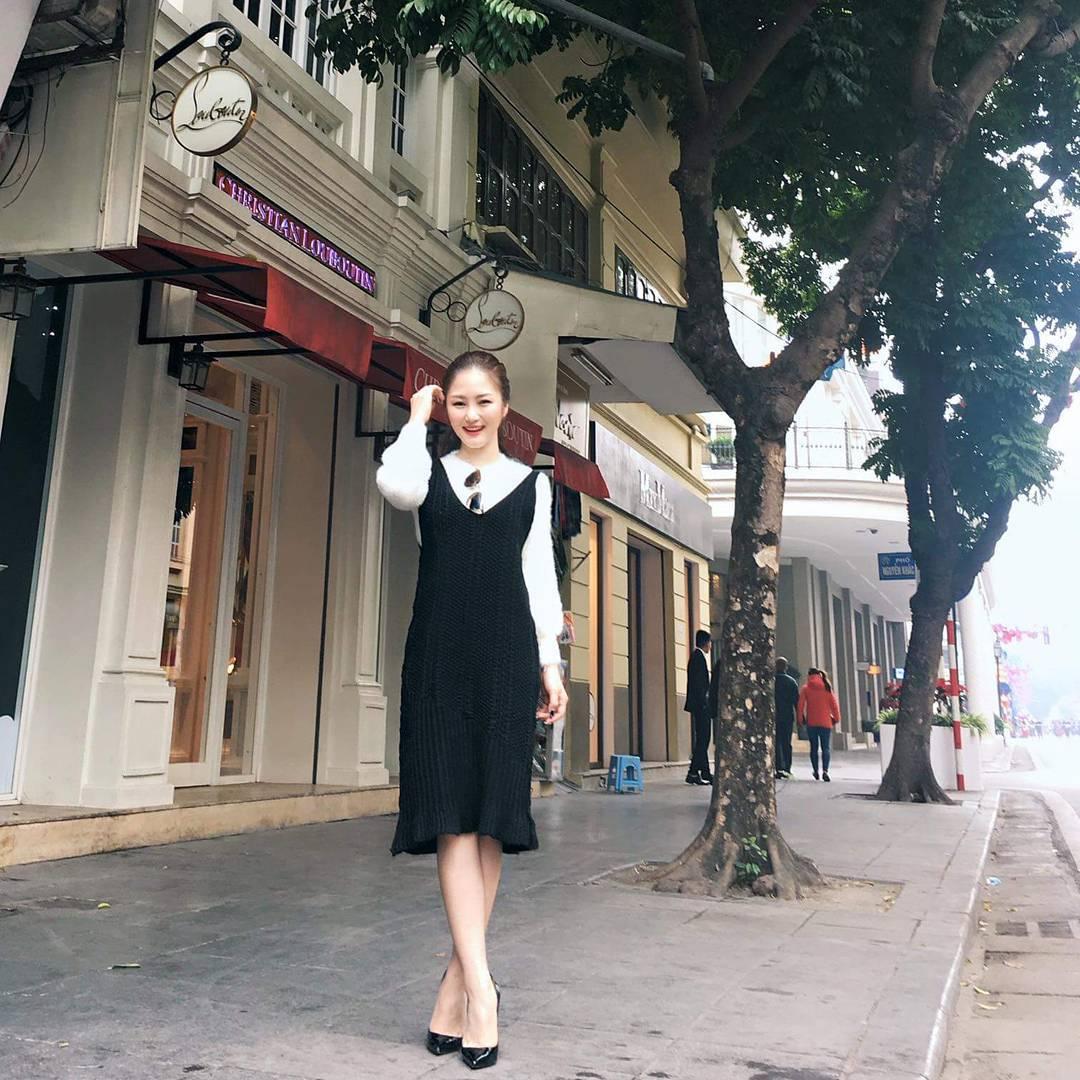 Hương Tràm bất ngờ dịu dàng, Phương Trinh giữ phong độ sexy - 2