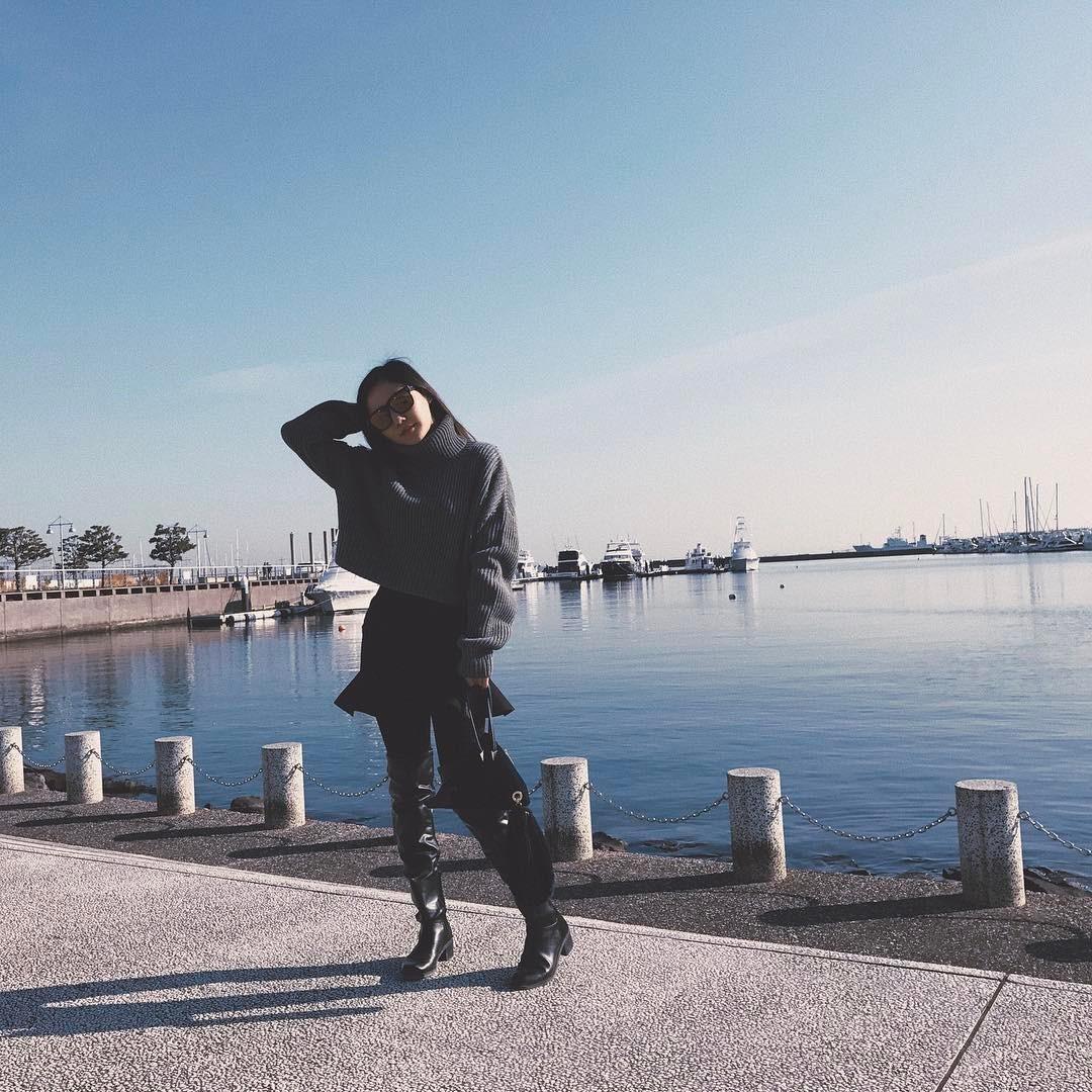 Hương Tràm bất ngờ dịu dàng, Phương Trinh giữ phong độ sexy - 5