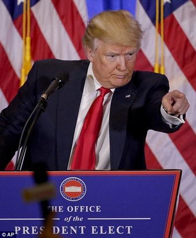 """Trump họp báo lần đầu, nói """"Tôi nghĩ Nga hack bầu cử"""" - 2"""