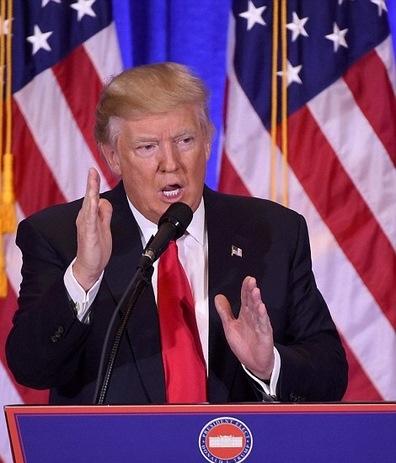 """Trump họp báo lần đầu, nói """"Tôi nghĩ Nga hack bầu cử"""" - 1"""