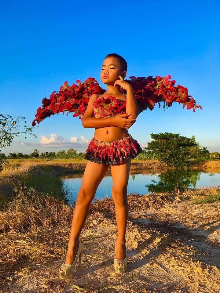 """Cười ngất phiên bản """"cây nhà lá vườn"""" của Victoria's Secret - 4"""