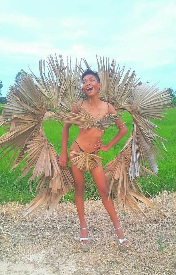 """Cười ngất phiên bản """"cây nhà lá vườn"""" của Victoria's Secret - 9"""