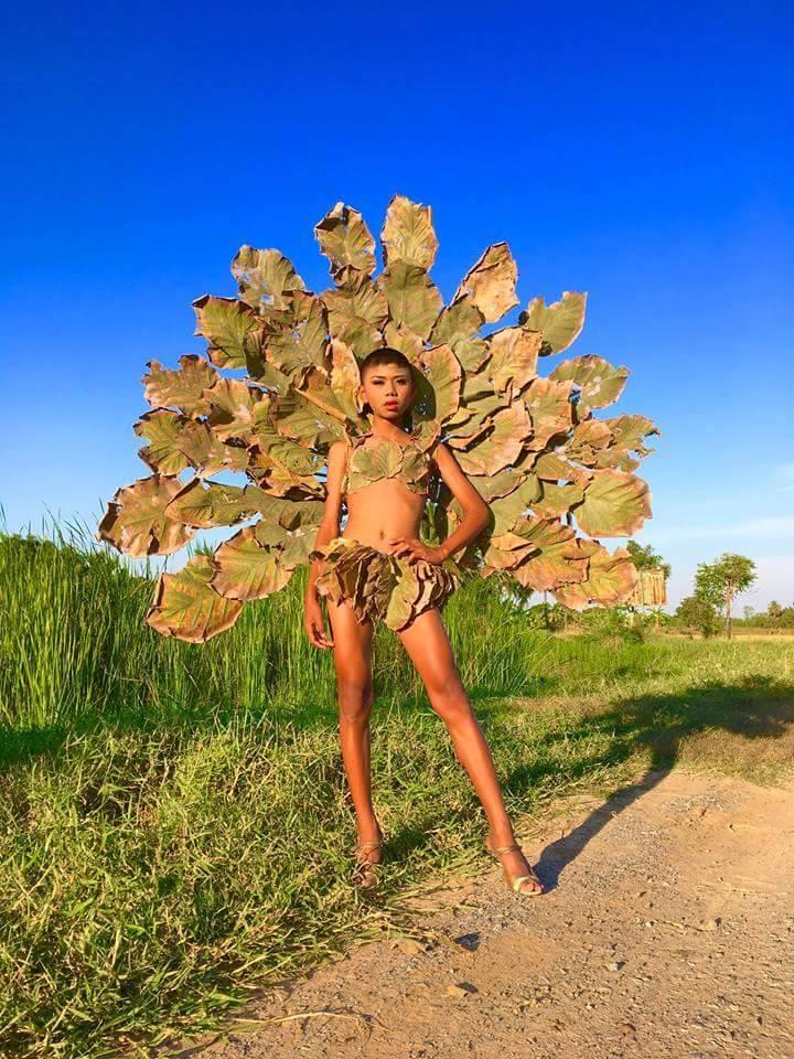 """Cười ngất phiên bản """"cây nhà lá vườn"""" của Victoria's Secret - 11"""
