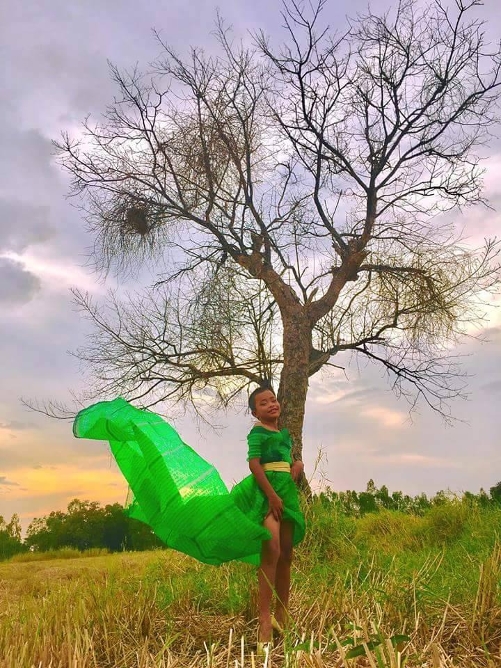 """Cười ngất phiên bản """"cây nhà lá vườn"""" của Victoria's Secret - 13"""