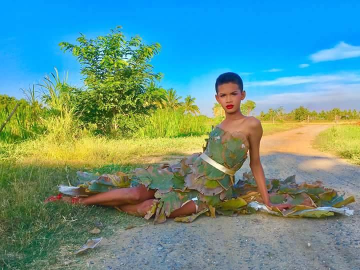 """Cười ngất phiên bản """"cây nhà lá vườn"""" của Victoria's Secret - 12"""