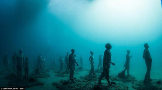 Lặn một hơi xuống bảo tàng dưới nước đầu tiên của châu Âu - 6