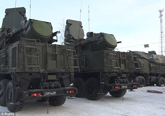 Nga kéo tên lửa S-400 quanh thủ đô phòng chiến tranh? - 1