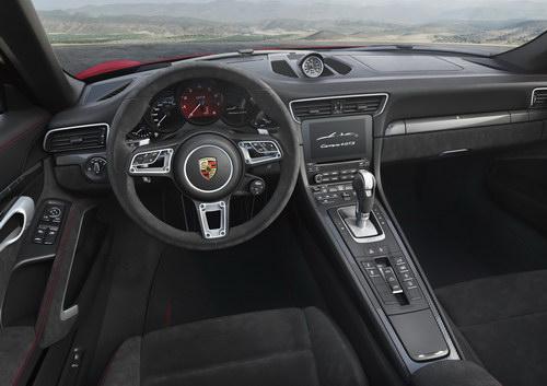 Porsche 911 GTS 2017 cải tiến thêm mạnh mẽ - 2