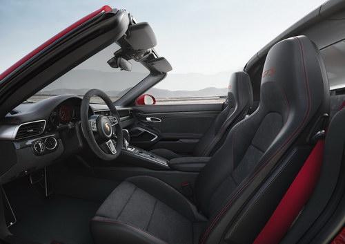 Porsche 911 GTS 2017 cải tiến thêm mạnh mẽ - 6