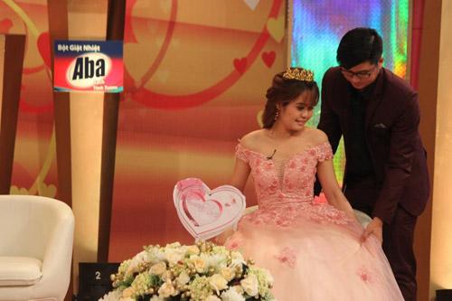 Hồng Vân – Quốc Thuận xúc động với cặp vợ chồng đã trải qua thập tử nhất sinh - 4