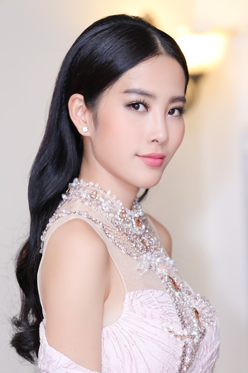 Hoa khôi Nam Em nhận giải Người phụ nữ truyền cảm hứng - 5