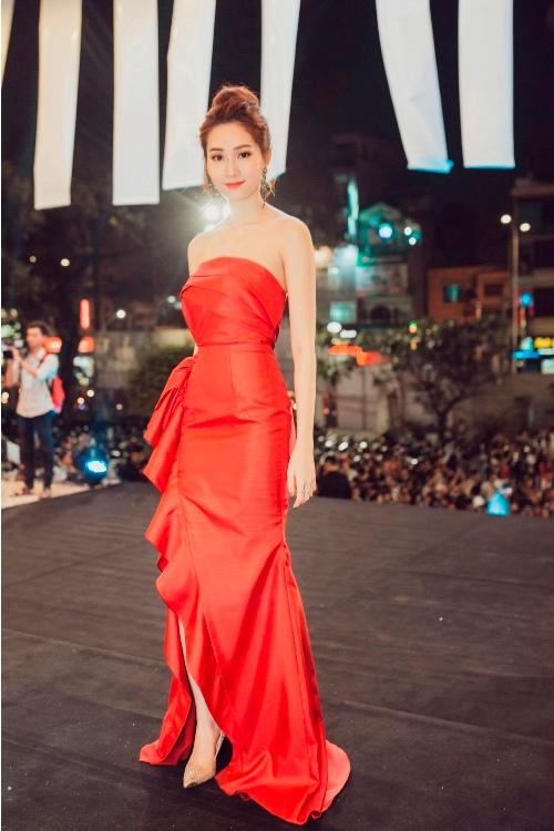 """""""Nữ hoàng thảm đỏ"""" Angela Phương Trinh bị lu mờ trước HH Thu Thảo - 6"""