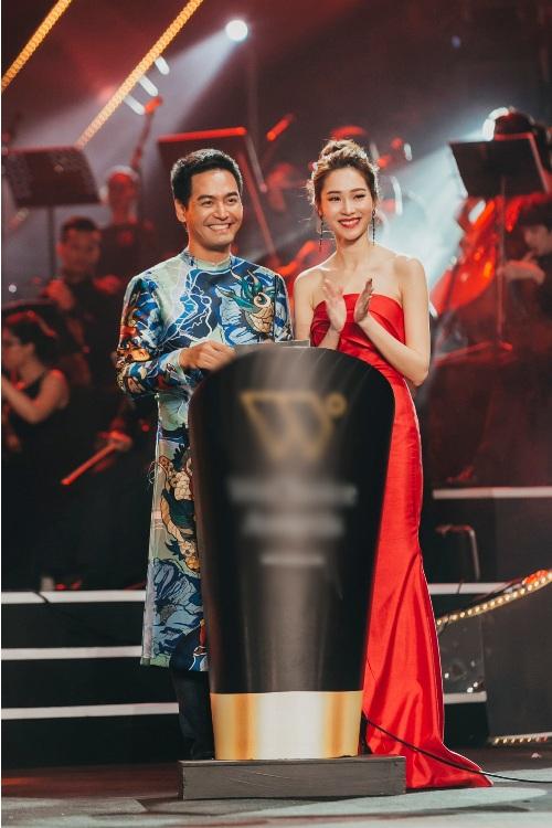 """""""Nữ hoàng thảm đỏ"""" Angela Phương Trinh bị lu mờ trước HH Thu Thảo - 9"""