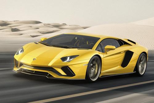 Lamborghini lập kỷ lục bán xe trên toàn cầu năm 2016 - 1