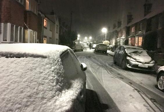 Ảnh: Tuyết buốt giá kì vĩ phủ trắng châu Âu - 5