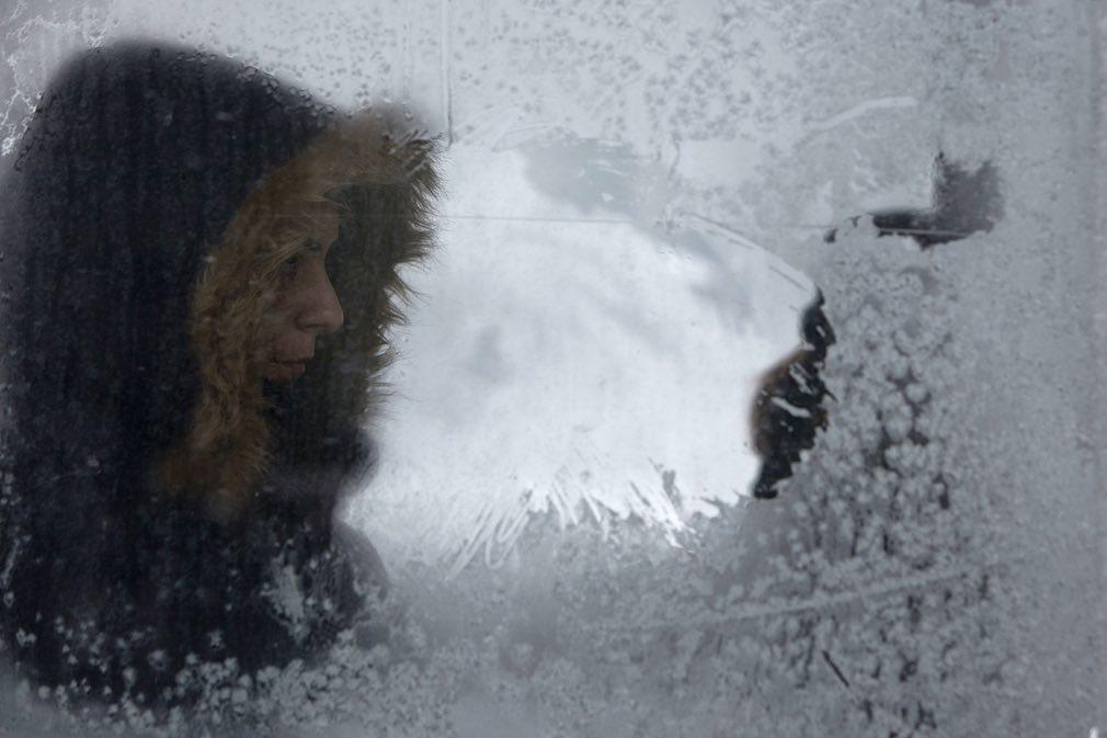 Ảnh: Tuyết buốt giá kì vĩ phủ trắng châu Âu - 7