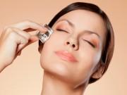 Làm đẹp - 'Bảo bối' giúp làm mờ vết thâm và sẹo mụn cho bạn gái