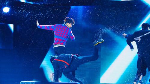 """Những cú ngã """"sấp mặt"""" khi diễn dưới mưa của mỹ nhân Hàn - 22"""