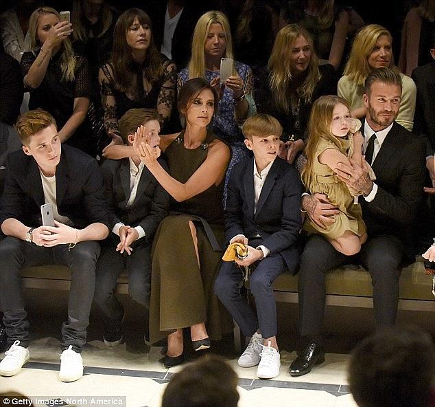 """Bà Beckham ân hận vì bon chen """"trùng tu"""" ngực - 3"""