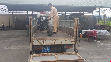 Đà Nẵng: Xe mô tô 'kỳ dị' gắn… 'khẩu đại liên 6 nòng' - 3