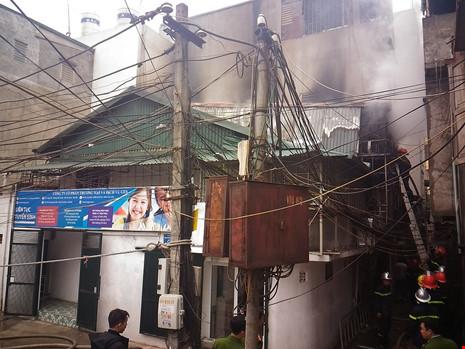 Cận tết, 'bà hỏa' thiêu rụi một căn nhà tại Hà Nội - 4