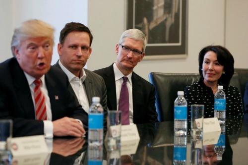 """Tỷ phú Peter Thiel: """"Apple đã hết thời kỳ đỉnh cao rồi!"""" - 1"""