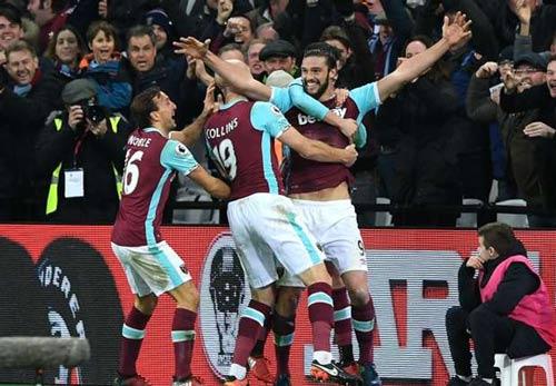 """West Ham - Crystal Palace: Tiệc """"3 sao"""" và siêu phẩm - 1"""