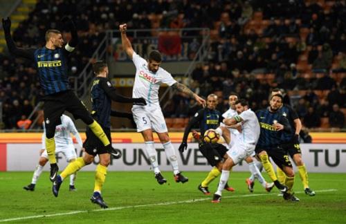 Inter - Chievo: Kịch tính 3 bàn ngược dòng - 1
