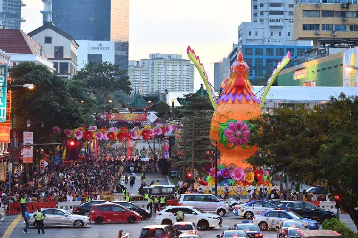 Khu phố Hoa ở Singapore trang trí rực rỡ đón Tết con gà - 1