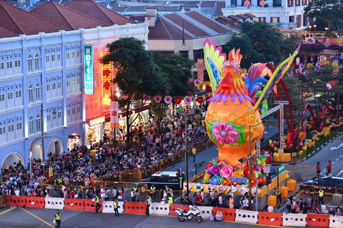 Khu phố Hoa ở Singapore trang trí rực rỡ đón Tết con gà - 2