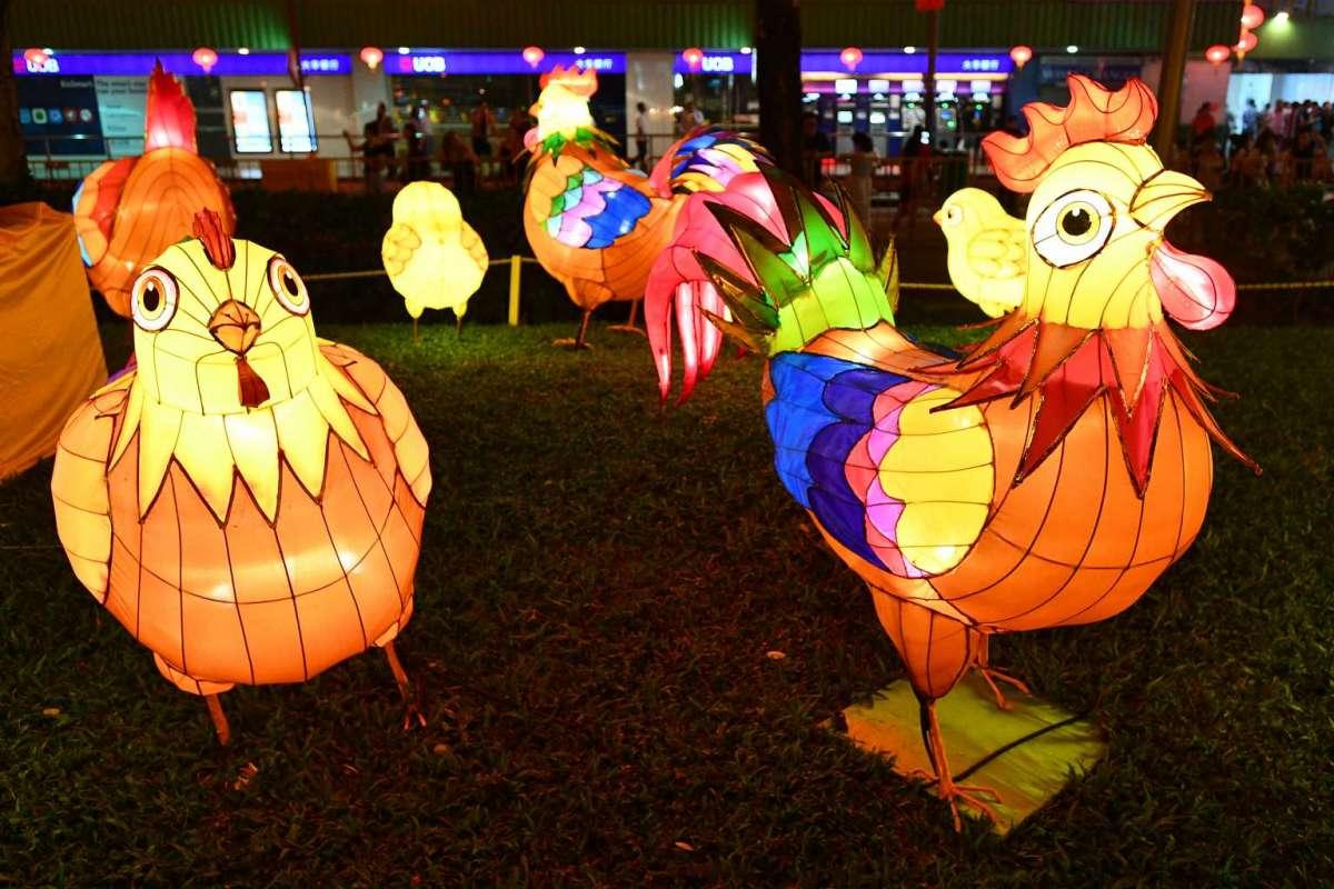 Khu phố Hoa ở Singapore trang trí rực rỡ đón Tết con gà - 4