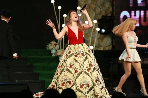 Mỹ Tâm gợi cảm hết cỡ trong đêm nhạc đón tuổi 36 - 3