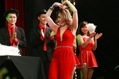 Mỹ Tâm gợi cảm hết cỡ trong đêm nhạc đón tuổi 36 - 10