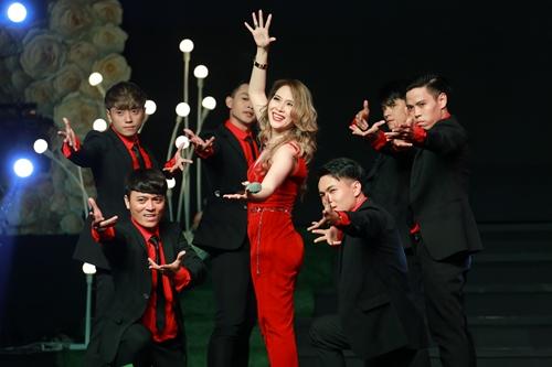 Mỹ Tâm gợi cảm hết cỡ trong đêm nhạc đón tuổi 36 - 13