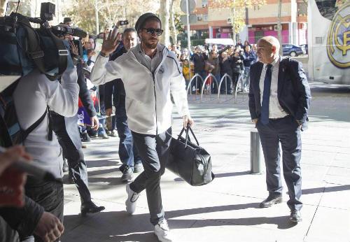 Chi tiết Sevilla - Real Madrid: Cú sút xa lịch sử (KT) - 10