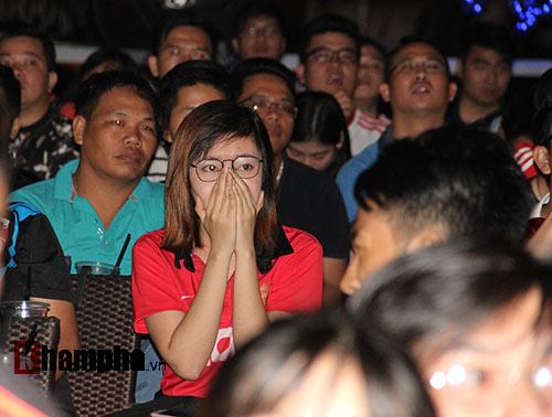 Fan MU hét khản giọng vì bàn thắng quý như vàng - 5