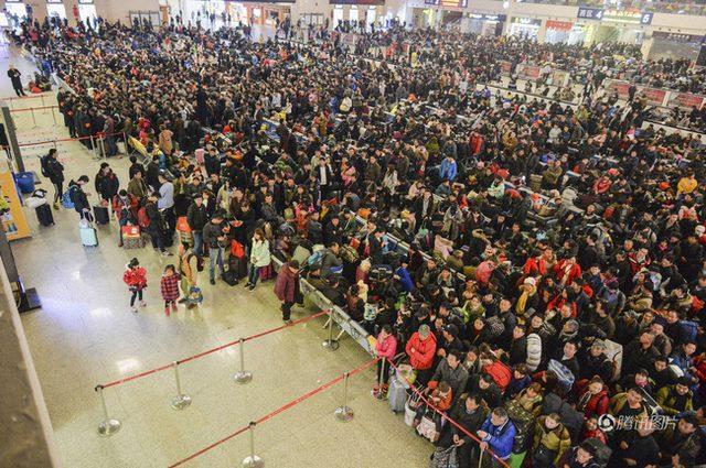 Đại di cư TQ: 3 tỉ lượt người dồn dập về quê đón Tết - 7